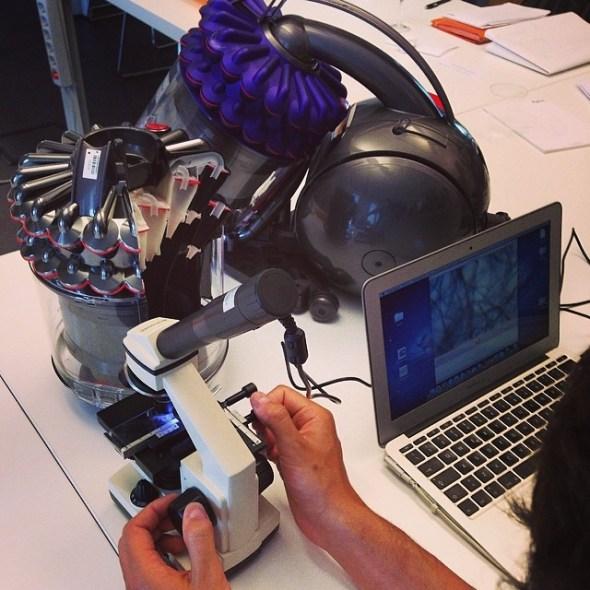 dyson_sezione e microscopio