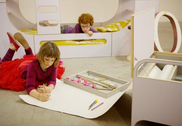 io kids doodle box