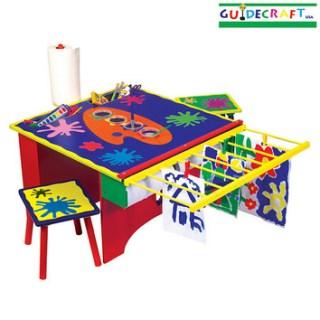 Un tavolo per piccoli artisti