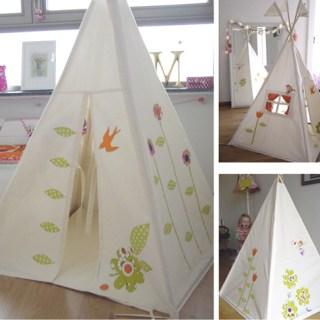 <!--:it-->Teepee una tenda dentro casa per giocare agli indiani<!--:-->