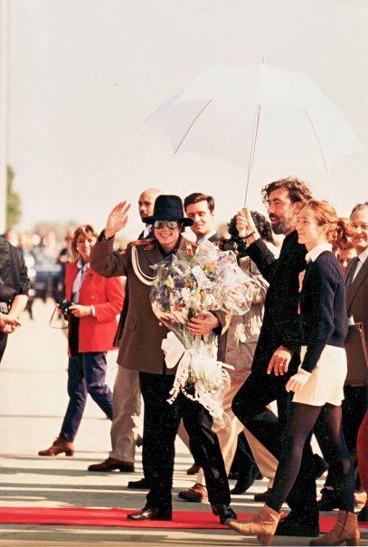 Mercedes Morcillo y Pino Sagliocco con Michael Jackson