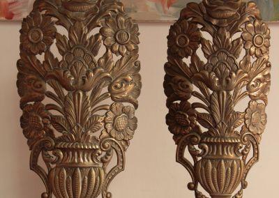 Pareja de apliques en hojalata repujada. c. 1800