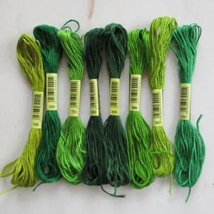 réf 08-L-b-0003 fils à broder 8 nuances vertes