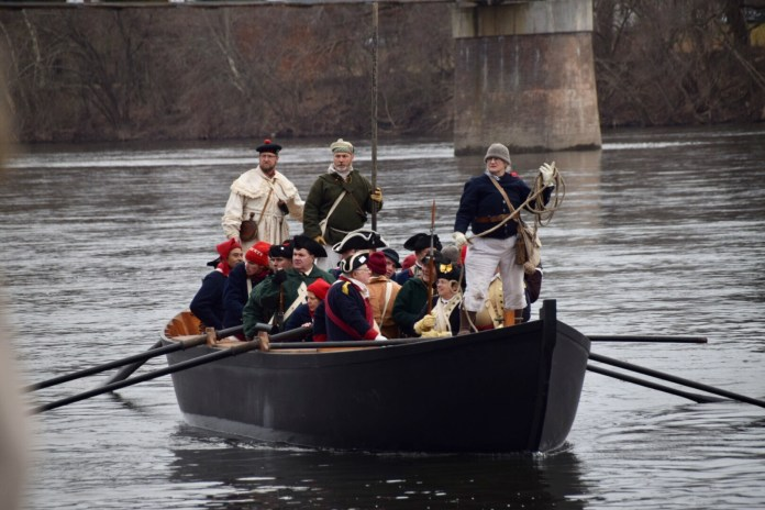 (PHOTOS) Washington Crossing Reenactment on the Delaware River
