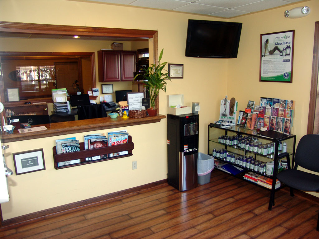 Merckling Family Chiropractic's clean, modern waiting room