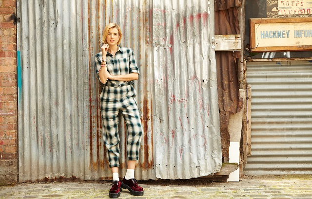 Agyness-deyn-doc-martens-advertising-campaign-pub
