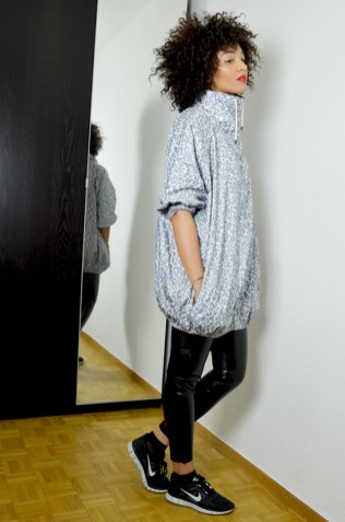 mercredie-blog-mode-geneve-legging-cuir-tregging-look-outfit-minute-papillon-sweat-madame-tshirt-nike-freerun-running-afro-nappy-natural-hair-k-way-kway-maje-mabella3