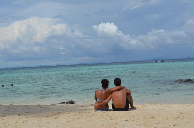mercredie-blog-mode-thailande-plage-koh-phi-phi-amoureux