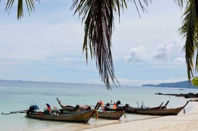 mercredie-blog-mode-voyage-thailande-plage-bateaux