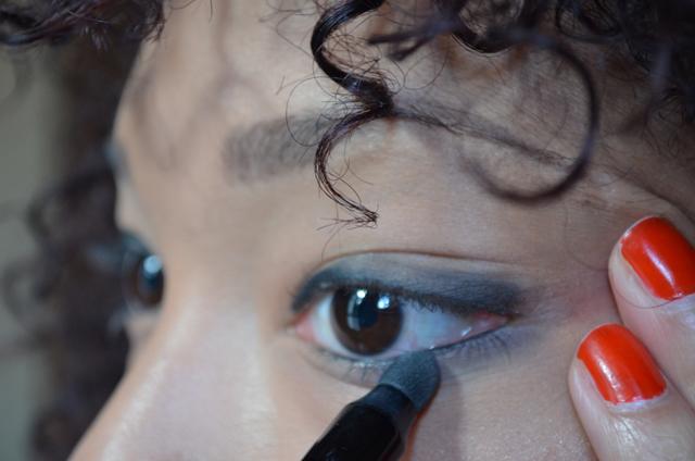 mercredie-blog-mode-beaute-maquillage-tuto-makeup-smoky-master-maybelline-nars-mac-concealer-studio-finish-bb-cream-dermablend-ysl-touche-eclat-orgasm-mutliple-highlighter-smudge-2