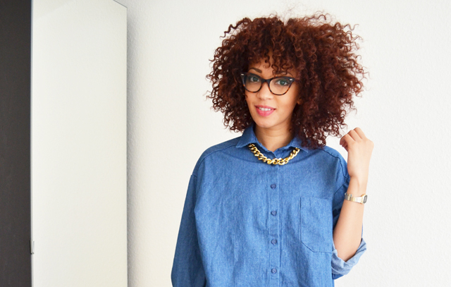 mercredie-blog-mode-chemise-denim-jean-collier-or-bling-stylenanda-coeur-dos-afro-cheveux-hair-natural-nappy-rayban-cat-eye-cateye-5226-2