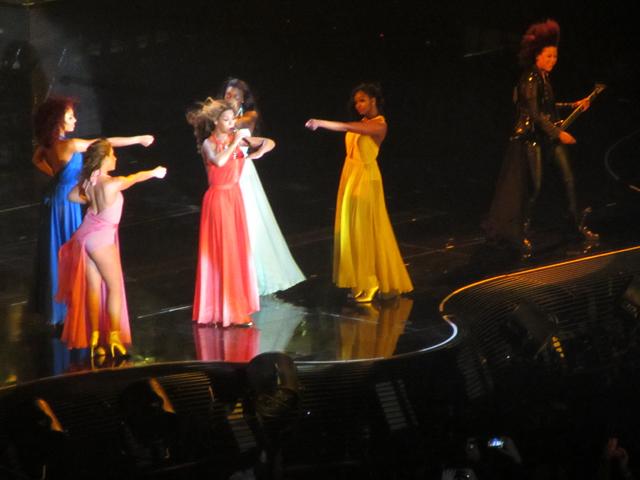 mercredie-blog-mode-Zurich-Beyonce-concert-Suisse-Hallenstadion-mrs-carter-show-live8