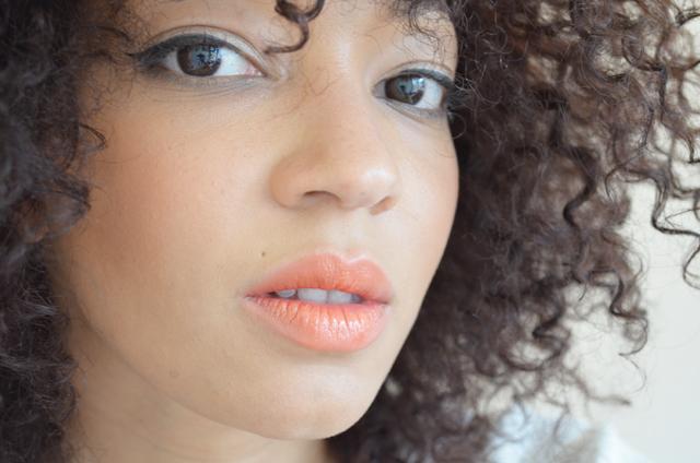 mercredie-blog-mode-geneve-suisse-afro-hair-spike-roseanna-ersatz-saigon-summer-mac-lipstick-test-swatch