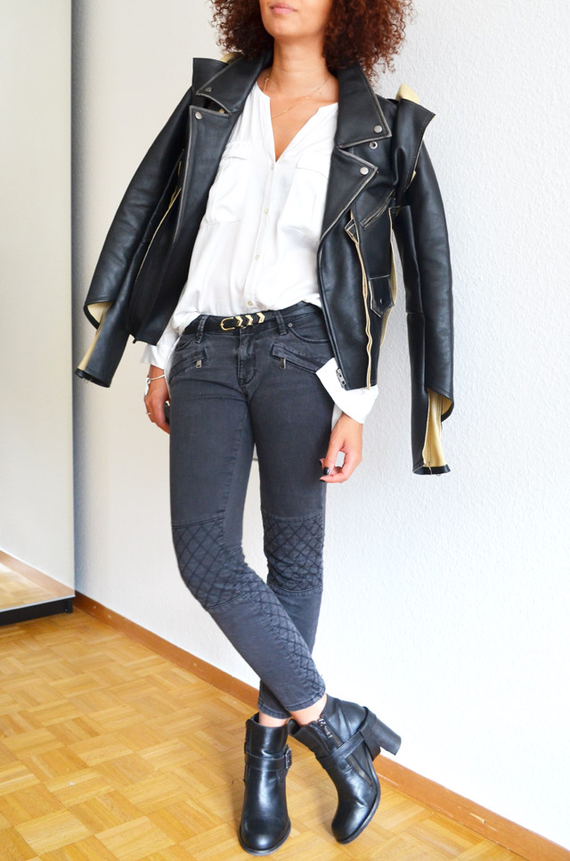 mercredie-blog-mode-geneve-suisse-blogueuse-bloggeuse-jean-biker-zara-gris-zip-maison-martin-margiela-leather-jacket-mmm-h&m-2012-chemise-blanche-white-shirt-heeled-jules-all-saints-boots