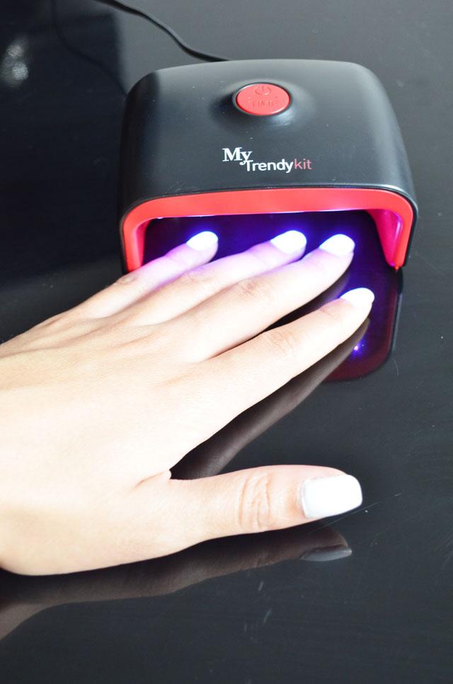 mercredie-blog-mode-beaute-ongles-manucure-semi-permanente-gel-maison-my-trendy-kit-mytrendykit-domicile-soi-meme-lampe-uv