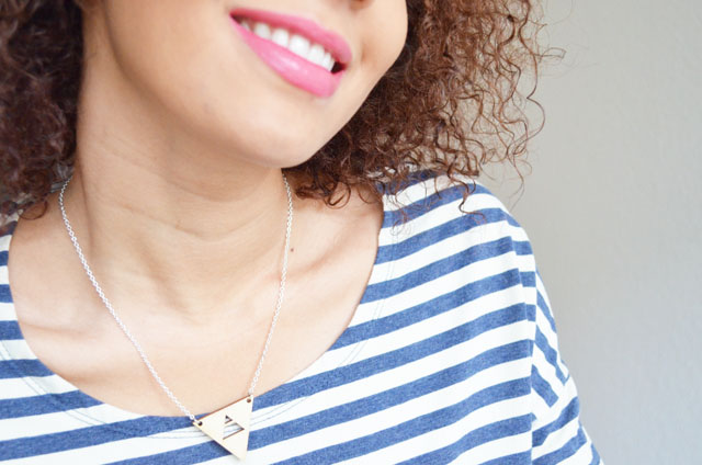 mercredie-blog-mode-geneve-geneva-fashion-blogger-switzerland-suisse-mariniere-jolly-chic-collier-triangle-bermudes-kiss-me-zombie