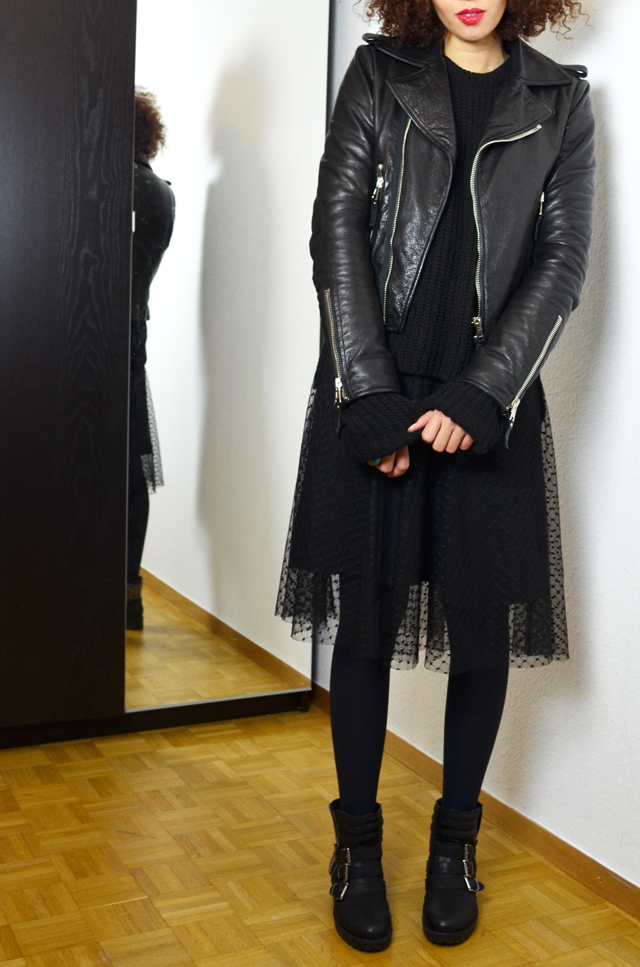 mercredie-blog-mode-geneve-fashion-blogger-zara-2013-plumetis-skirt-jupe-balenciaga-biker-jacket-black-afro-hair-nappy-curls-curly4