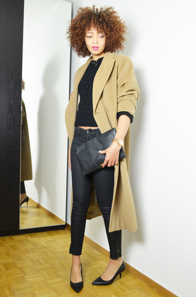 mercredie-blog-mode-geneve-oversized-coat-boyfriend-manteau-long-beige-camel-max-mara-maxmara-pochette-bcbg-maxazria-escarpins-taupage-hair--afro-natural--curls-curly-nappy5