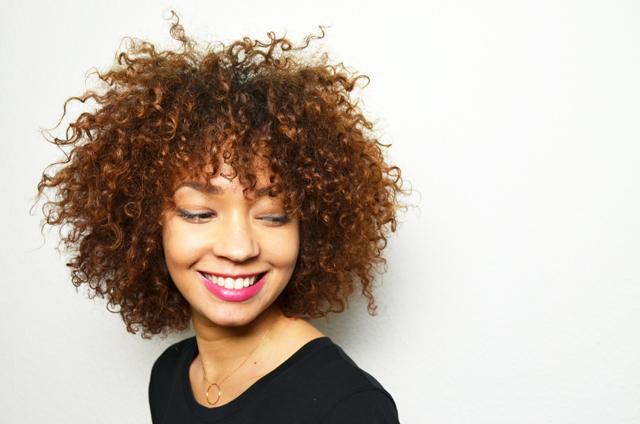mercredie-blog-cheveux-afro-metisse-se-couper-ses-cheveux-soi-meme-hair-cut-trim-technique-pointes-boucles-nappy-naturels3