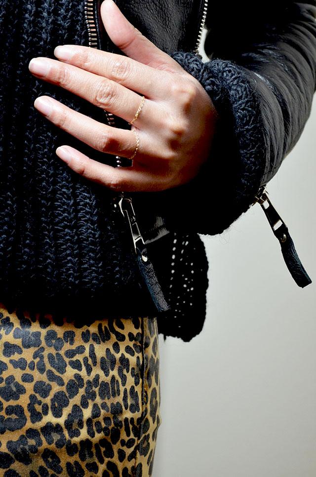 mercredie-blog-mode-geneve-blogueuse-pantalon-jeans-leopard-bague-bluesky-adi-creations-perfecto-balenciaga-leather-jacket-biker