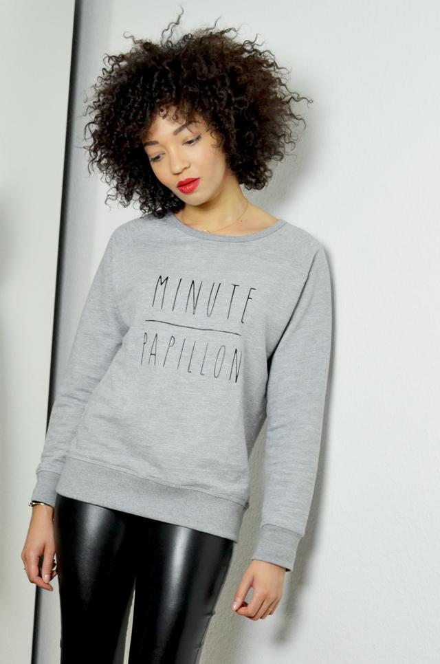 mercredie-blog-mode-geneve-legging-cuir-tregging-look-outfit-minute-papillon-sweat-madame-tshirt-nike-freerun-running-afro-nappy-natural-hair3