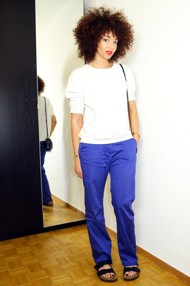 mercredie-blog-mode-sac-alex-marc-by-marc-jacobs-pantalon-bleu-klein-roi-manoukian-sweat-blanc-zara-afro-hair-natural-nappy-birkenstock-arizona-outfit-look-inspiration