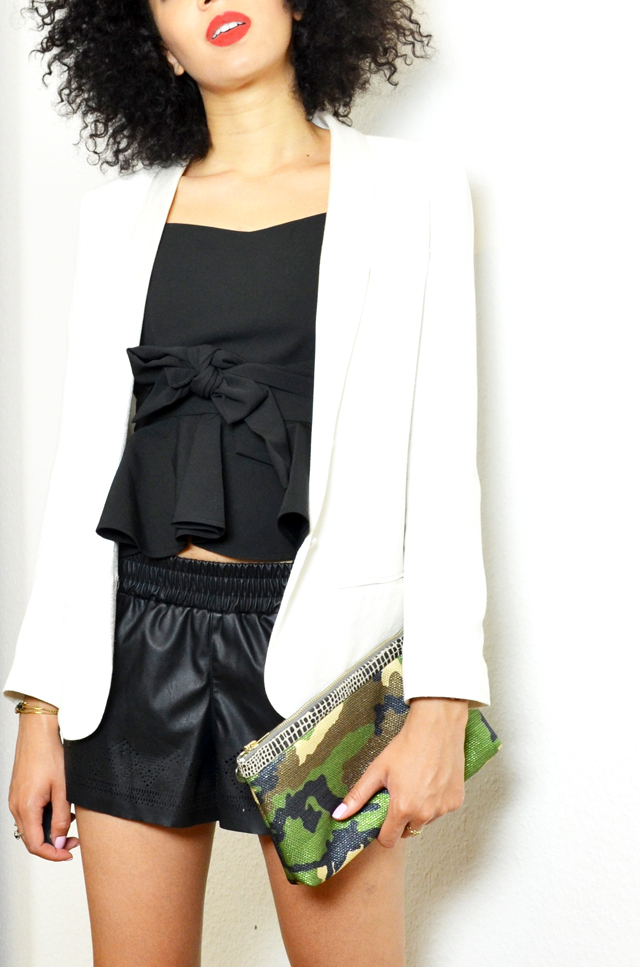 mercredie-sheinside-geneve-fashion-blog-blogger-blogueuse-mode-bloggeuse-peplum-top-short-cuir-stan-smith-outfit-look-inspiration-white-blanches-afro-hair-nappy-natural-blazer-crepe-ba&sh-pochette-camouflage-catherine-membre
