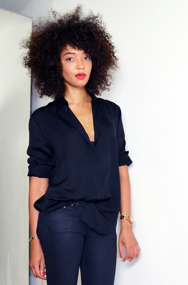 mercredie-blog-mode-geneve-suisse-fashion-blogger-switzerland-chemise-acne-shirt-silk-Patti-organza-trimmed satin-twill-afro-hair-nappy-natural-hair-black-slim