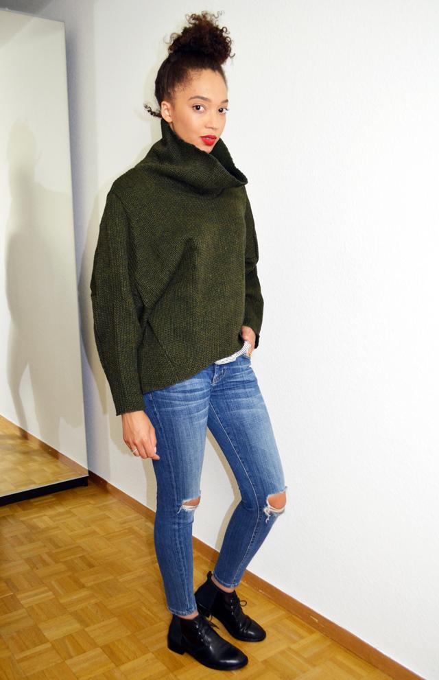 mercredie-blog-mode-pull-margaux-lonnberg-viktor-kaki-vert-jean-slim-and-other-stories-bun-cheveux-frises2