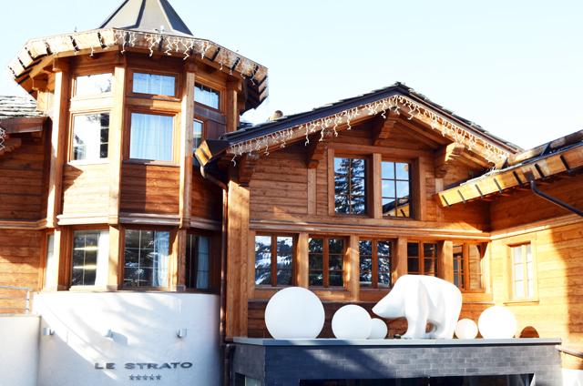 mercredie-blog-mode-voyage-ski-sports-hiver-avis-hotel-cinq-5-etoiles-le-strato-courchevel-meilleur-hotel-luxe-entree