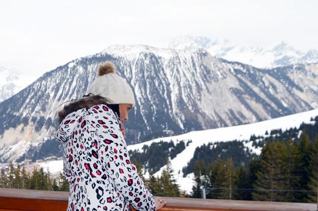 mercredie-blog-mode-voyage-ski-sports-hiver-avis-hotel-cinq-5-etoiles-le-strato-courchevel-meilleur-hotel-luxe-suite-chambre-vue-piste-roxy-ARMOY-DIVA PINK-jet-ski