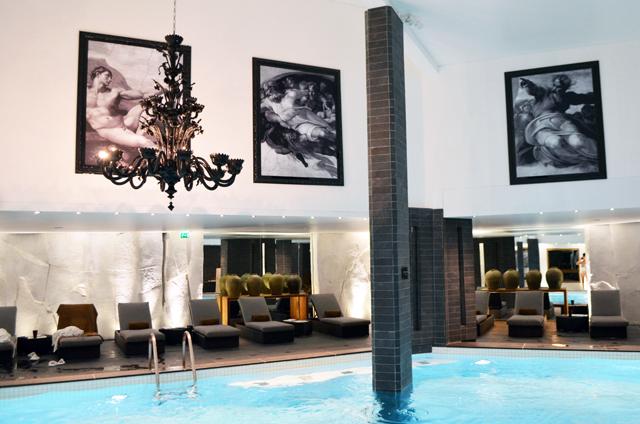 mercredie-blog-mode-voyage-ski-sports-hiver-avis-hotel-cinq-5-etoiles-le-strato-courchevel-meilleur-hotel-spa-piscine