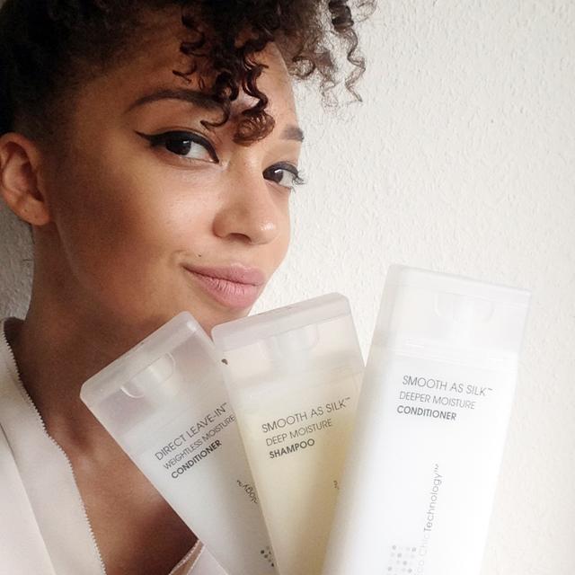 mercredie-blog-beaute-cheveux-afro-naturels-routine-giovanni-test-avis-mohaera-boucles-frises
