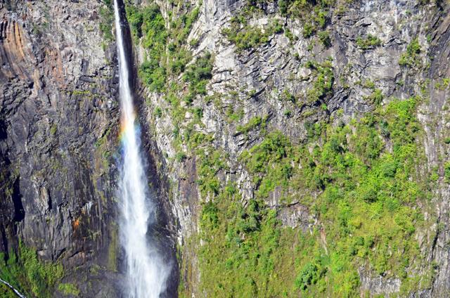 mercredie-blog-mode-voyage-la-reunion-avis-guide-tourisme-montagne-plage-volcan-piton-de-la-fournaise-cascade-helicoptere-helilagon-avis2
