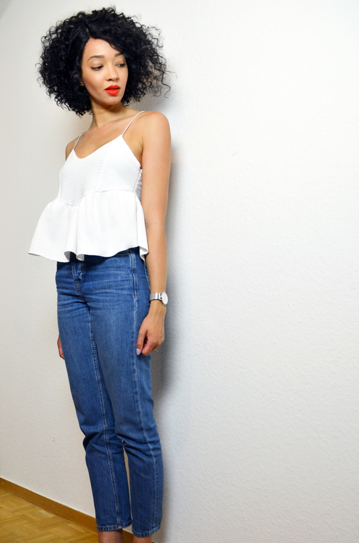 mercredie-blog-mode-suisse-geneve-jean-topshop-mom-straight-evelyn-lacewig-curly-bob-afro-hair