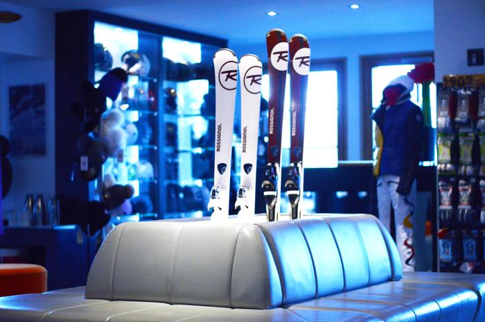 mercredie-blog-hotel-le-strato-ski-skiroom-skis-rossignol3