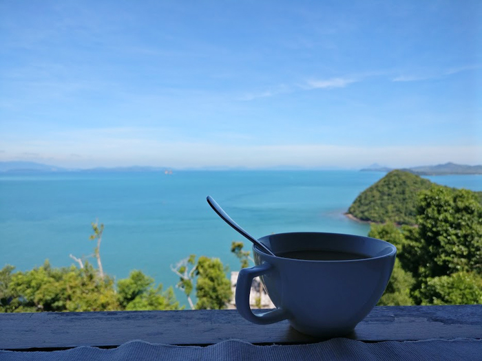mercredie-blog-mode-thailande-travel-bloggeuse-voyage-piscine-santhiya-Koh-Phangan-Resort-Spa-koh-yao-yai-petit-dejeuner-breakfast