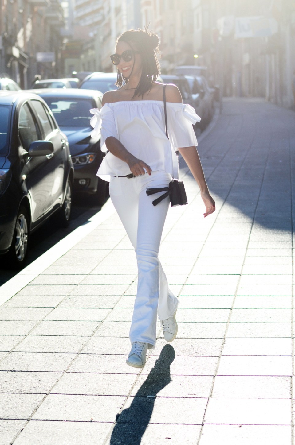 mercredie-blog-fashion-blogger-mode-geneve-suisse-santander-celine-marta-all-white-outfit-flare-elisabetta-franchetti-ceinture-kooples3