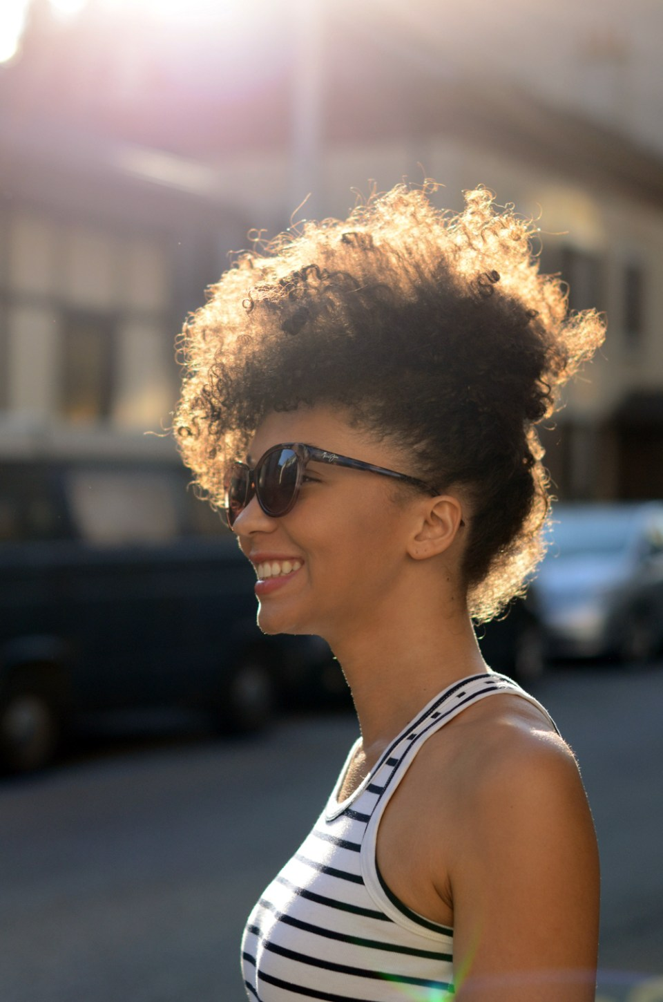 mercredie-blog-mode-geneve-suisse-blogueuse-bloggeuse-optic2000-lunettes-de-soleil-MAUI-JIM-SUNSHINE-725-64-natural-hair-frohawk