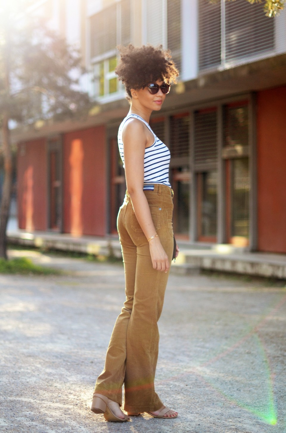 mercredie-blog-mode-geneve-suisse-blogueuse-bloggeuse-optic2000-lunettes-de-soleil-MAUI-JIM-natural-hair-frohawk-pantalon-vanessa-bruno-flare-Dompay2