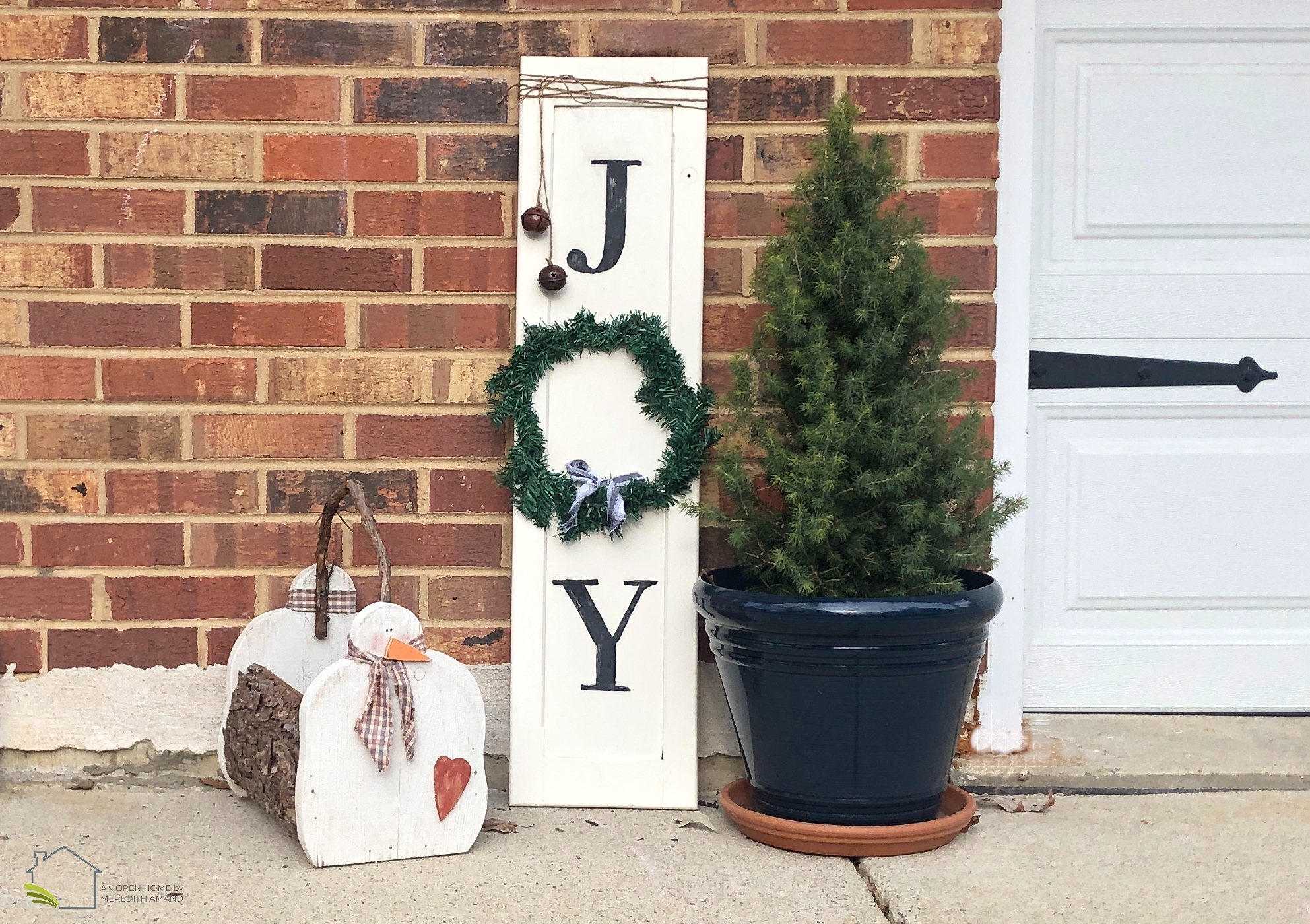 Upcycled Holiday Sign