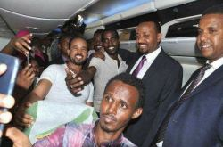 PM Abiy with Ethiopians who were released from Egypt prison