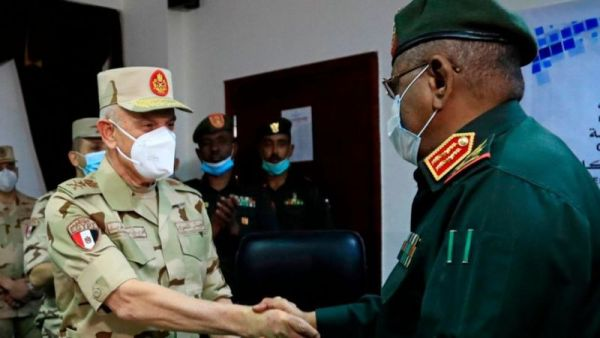Egyptian Army Chief meets Sudanese counterpart, sign military cooperation agreement.