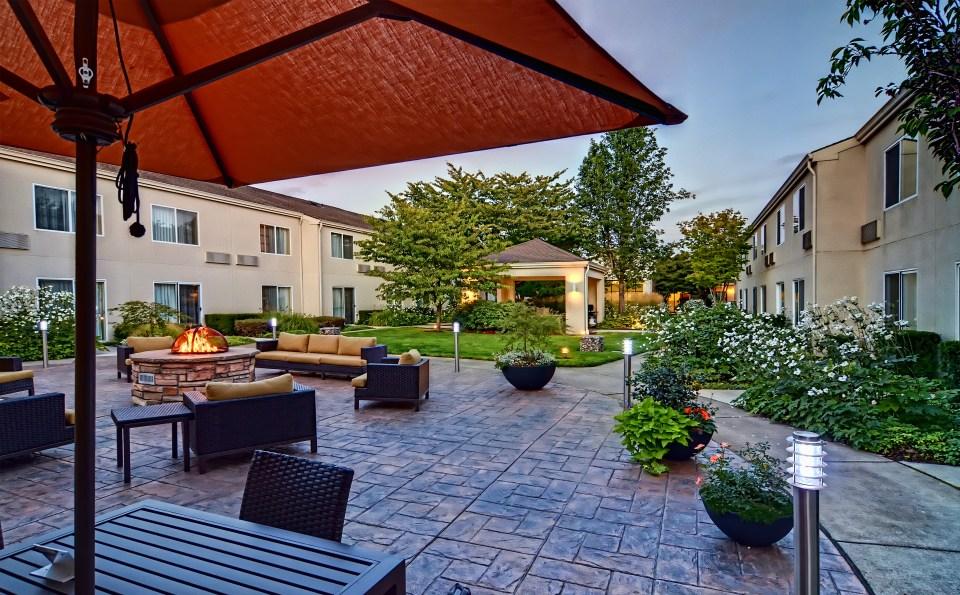courtyard-eugene