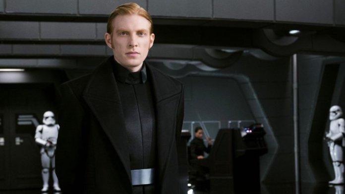 นายพล Hux อีกหนึ่งขั้วอำนาจของ First Order