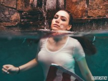 Sophie-Simmons-Wet-T-Shirt-Photoshoot-by-Aleks-Kocev-Now-Thats-Merican-Babes-6