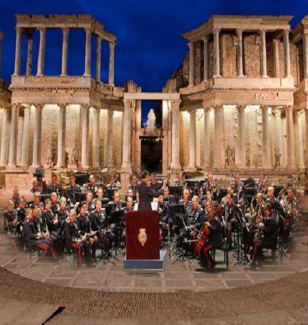 El Teatro Romano será escenario el jueves de un concierto de música militar y popular