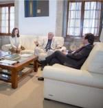 El presidente de la Junta de Extremadura se reúne con el decano del Colegio Oficial de Arquitectos de Extremadura