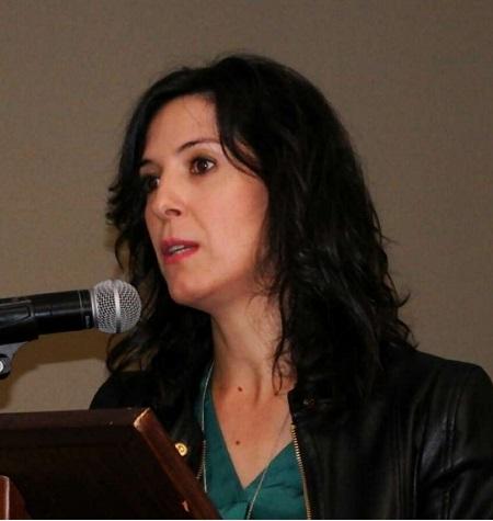 Esther Gutiérrez defiende avanzar en la gratuidad de libros de texto