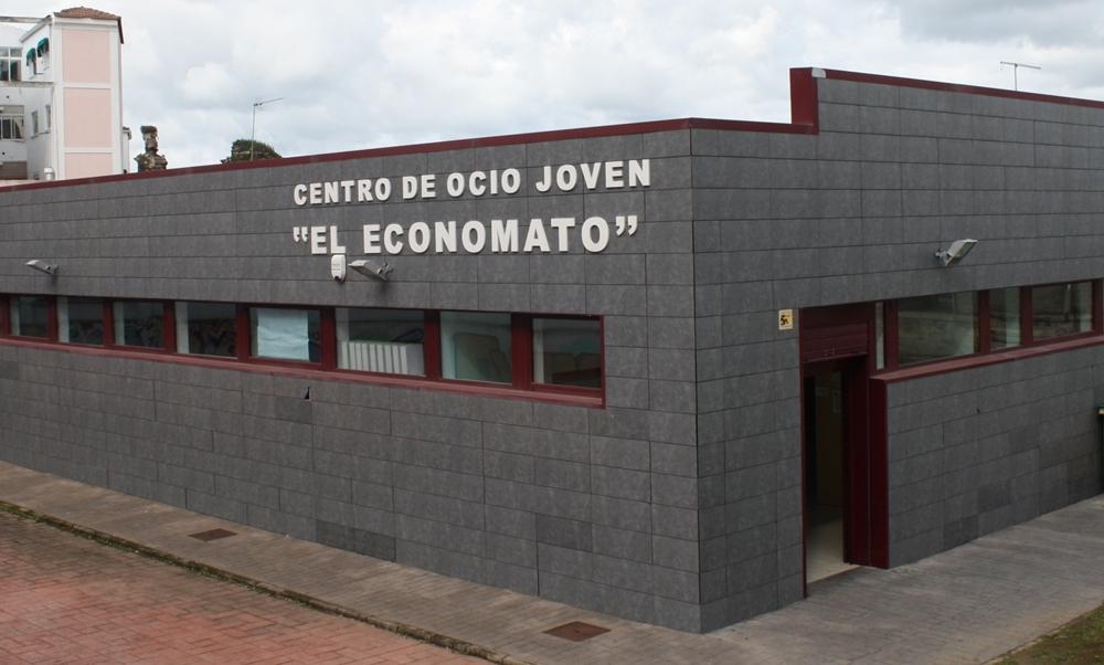 Talleres navideños en el Centro de Ocio Joven El Economato de Mérida